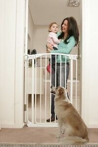 Dreambaby Gate Auto-Close Security Gate - Tall White RRP $89.95 Forest Lodge Inner Sydney Preview
