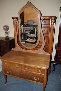 Beautiful-Antique-Golden-Tiger-Oak-Dresser-Vanity-with-Mirror-Circa-1900