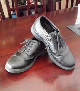 Men's Dress Shoes size 10M