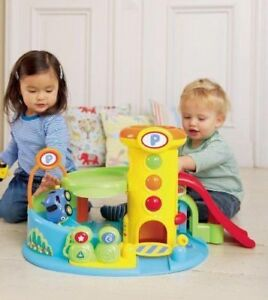 BABE TOYS - Early Learning Centre - Whizz Around Garage - Easter