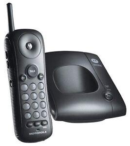 Motorola MA300 2.4GHz Cordless Phone (Black)