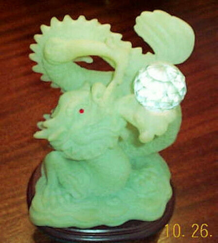 Dragon Statue Green Resin Figurine very heavy and beautiful