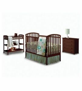 Crib and change table  mattress /fitted sheets
