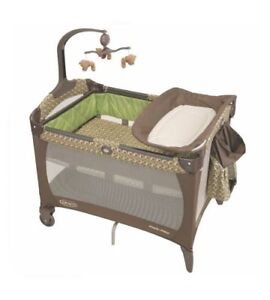 Graco playard/parc brand new, in sealed box