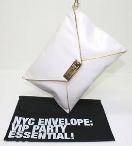 CAROLINA HERRERA 212 VIP 'PARTY ESSENTIAL!' CREAM& GOLD ENVELOPE PURSE *NEW