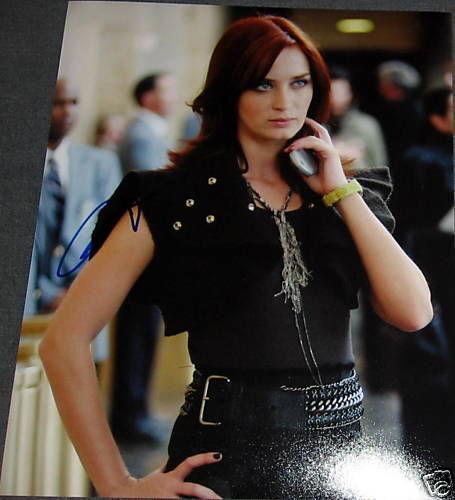 EMILY BLUNT SIGNED AUTOGRAPH DEVIL WEARS PRADA PHOTO A