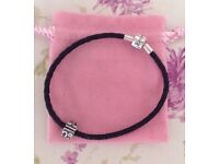 Bracelet Leather in Black with Sterling Silver