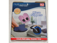 BNIB HOLLYWOOD BODY CARE BLUE UNISEX MICRO SLIPPERS MICROWAVE HEAT YOUR FEET