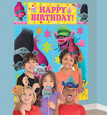Party Wall Decorations (TROLLS Scene Setter birthday party wall decor kit + 12 photo booth props Poppy)