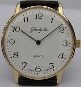 Große Armbanduhr