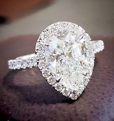 Beautiful 1.70 Ct Pear Cut Diamond Halo Engagement Ring F,VS2 GIA 18K White Gold