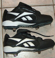 Reebok Triple Play Low Steel Baseball Cleats