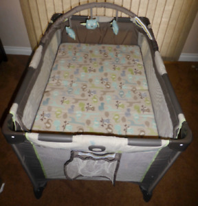 Graco Playpen: BRAND NEW With Optional Bassinet