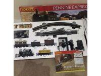 Hornby Pennine Express Train Set
