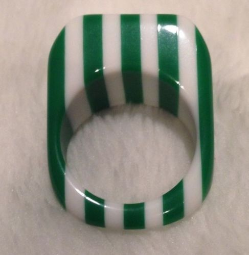 Lucite Striped Green White Ring Size 5.5