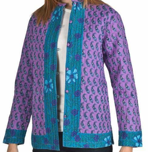 Thanks to its lightweight, mesh-inspired fabric and insulating fill, this quilted jacket will keep you comfortably warm. Size medium has a 27½