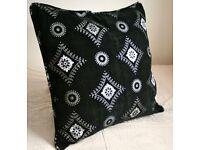 Luxury Moroccan Floor 2x Cushions - Black