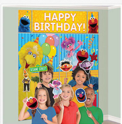 Elmo Party (SESAME STREET Scene Setter birthday party kit w/12 photo booth props Elmo)