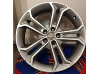 GENUINE Ford Focus ST alloy wheel 235 35 19 inch silver