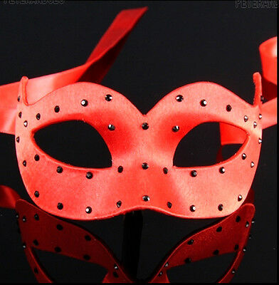 Mask from Venice Wolf Colombine Satin Veloute Red a Polka Dots Paper Mache 471