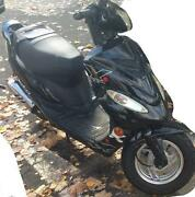Motorroller 25 KM H