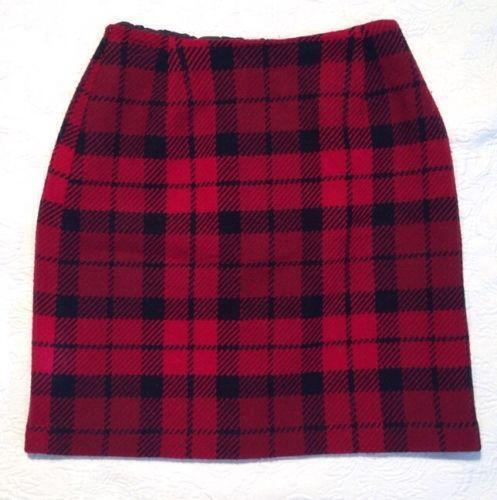 Mud Pie Christmas Red Tartan Plaid Tree Skirt. Sold by FastMedia. $ Saro Classic Red And Black Buffalo Plaid Tree Skirt With Sherpa Trim. Sold by 440v.cf + 1. EDLDECCO 36 inch Plaid Christmas Tree Skirt with Red and Black Buffalo Check Tree Skirt Double layers a Fine Decorative Handicraft for H.