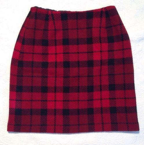 Aytai 48inch Plaid Christmas Tree Skirts Red and Black Ruffle Edge Linen Burlap Tree Skirt for Holiday Christmas Decorations. Sold by Freshware. $ Holiday Red & Green Plaid Christmas Tree Skirt With Faux Sheep Fur Border. Sold by The Primrose Lane. $ $