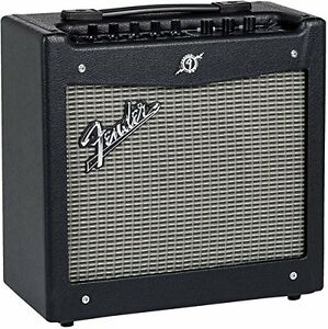 FENDER MUSTANG I GUITAR AMPLIFIER - V.2