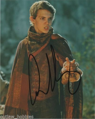 Once Upon A Time Robbie Kay Autographed Signed 8x10 Photo COA #2