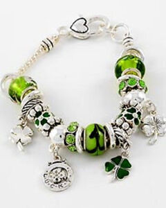 ST. PATRICKS DAY SHAMROCK 4 LEAF CLOVER CHARM GLASS BEAD  BRACELET
