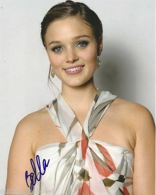 Cute Bella Heathcote Autographed Signed 8X10 Photo Coa  1