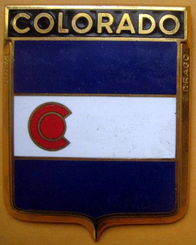 Badge auto car drago 1950s original Colorado USA State American