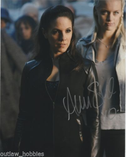 Lost Girl Anna Silk Autographed Signed 8x10 Photo COA D