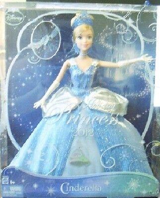 2011 DISNEY HOLIDAY PRINCESS CINDERELLA BARBIE DOLL & GLASS SLIPPER ORNAMENT NEW