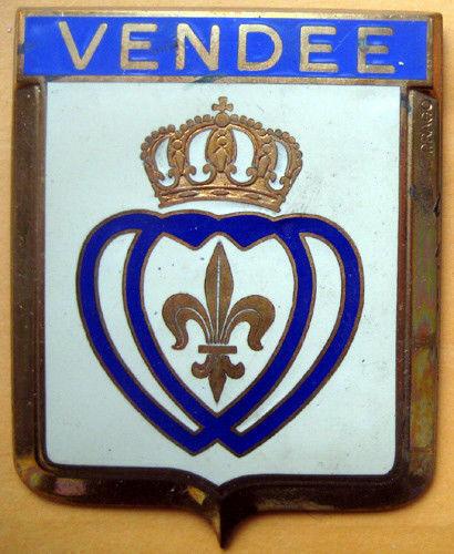 Badge auto car drago 1950s original Vendee France French