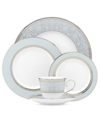 Westmore 5 Piece Place Setting, 4, China, Round, Floral, Whi