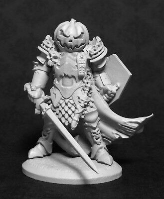 Reaper Miniatures Halloween Knight #01449 Dark Heaven Legends Unpainted Metal (Halloween Dark Games)