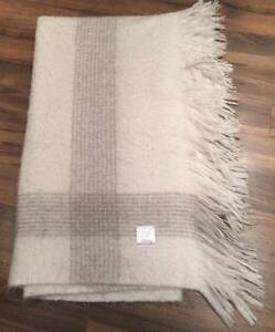 LAURA ASHLEY Large Grey & White Throw Rug / Blanket Melbourne CBD Melbourne City Preview