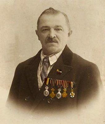 Veteran Belgien mit Ordensspange altes Foto