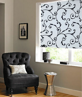 Patterned flowery swirl blind