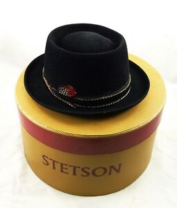Vintage-STETSON-Hat-BRILLS-Milwaukee-Size-7-1-4-BLACK-Feather-FELT-Boxed-CASUAL