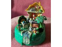 Polly pocket Alice in Wonderland by bluebird, excellent condition with original box