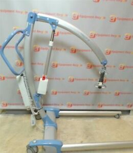 Hoyer patient lift with sling in good condition T.647-781-8987 c