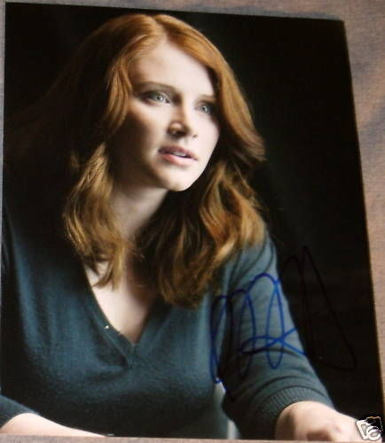 BRYCE DALLAS HOWARD AUTOGRAPH SIGNED TERMINATOR PHOTO D