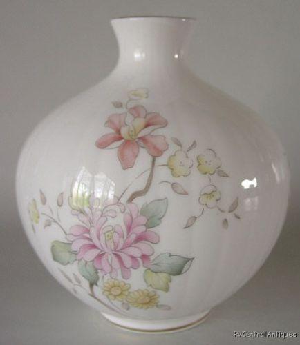 Royal Doulton Vase Ebay