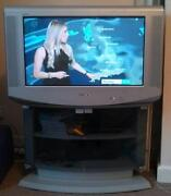 28 TV Flat Screen