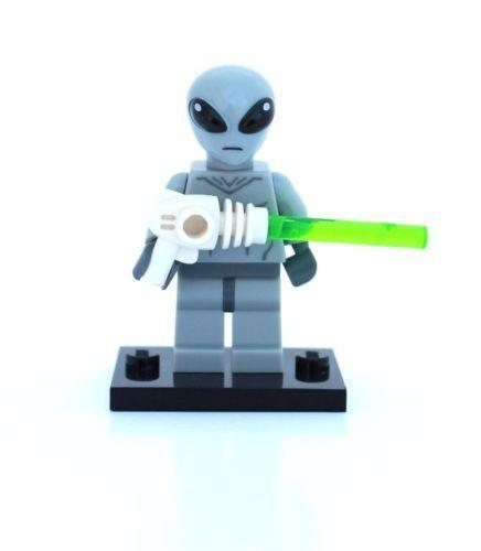 lego alien ebay. Black Bedroom Furniture Sets. Home Design Ideas