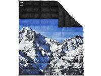 The north face x Supreme mountain blanket 58x6 limited edition