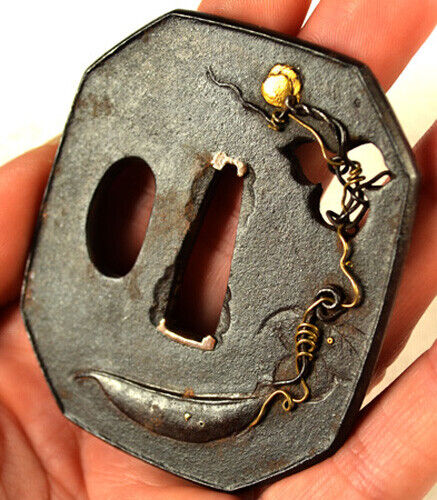 OLD JAPANESE TANTO SWORD TSUBA PEA FLOWER VINE LEAVES GOLD FORGED IRON