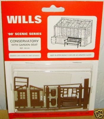 Wills SS24. Conservatory & Seat Kit. NEW (00 Gauge)